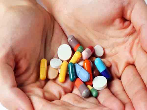 Mơ thấy uống thuốc có điềm báo gì